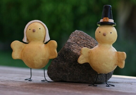 Pilgrim Chick Figurine Pair