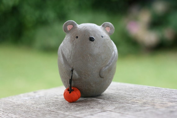 Penny the Pumpkin Bucket Mouse