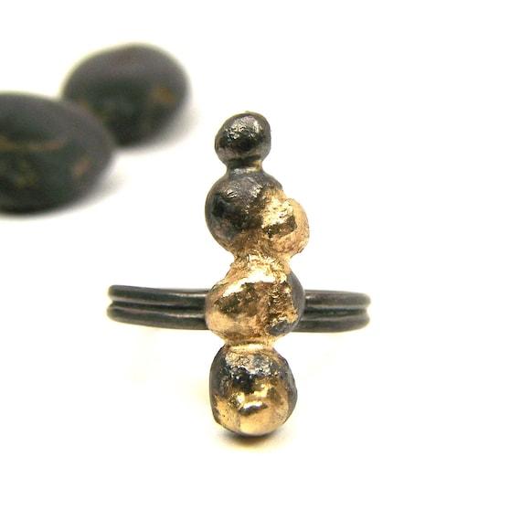 Black Silver 14K Yellow Gold Zen Ring - Pebble Bridge