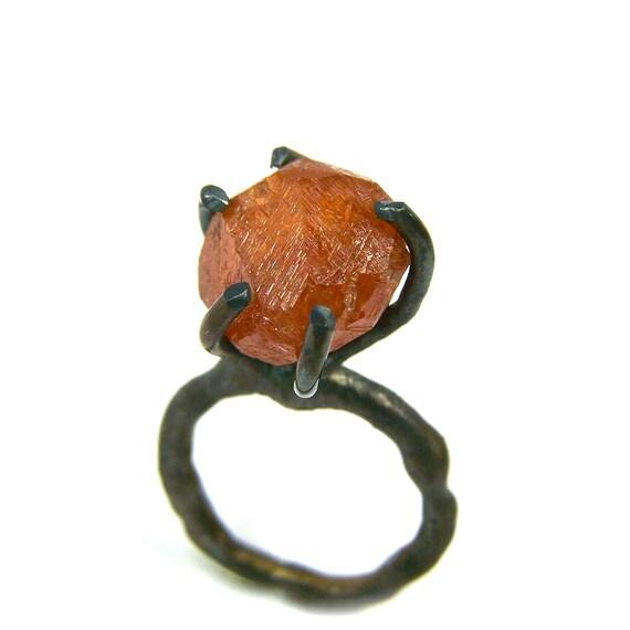 Raw Spessartite Garnet Dark Silver Ring - Feuerbaum