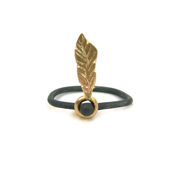Gold Feather Charcoal Silver Ring - Dancing Feather