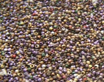 Antique  Steel cut  bead mix  loose beads 4 grams Lavender Red  Green  Black