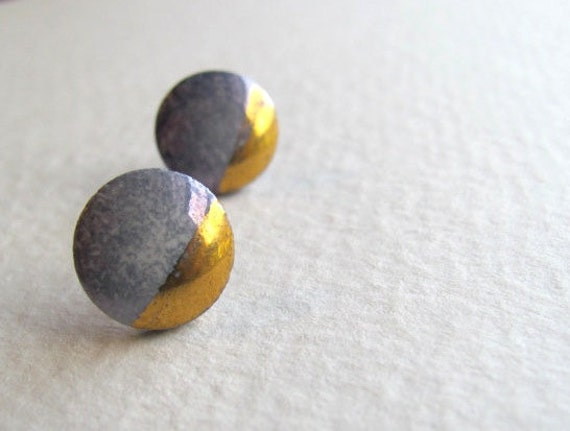 Two-toned dot earrings in light purple and gold, 1980s, posts for pierced ears