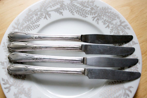 Silverware, Meadowbrook Knives, Set of 4, On Sale