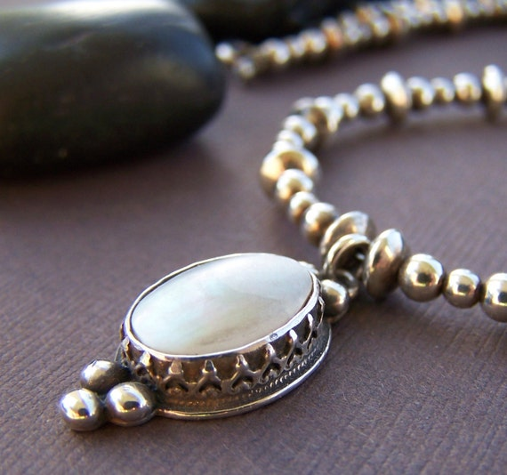 Vintage Sterling Silver Mother of Pearl Pendant Beaded Necklace