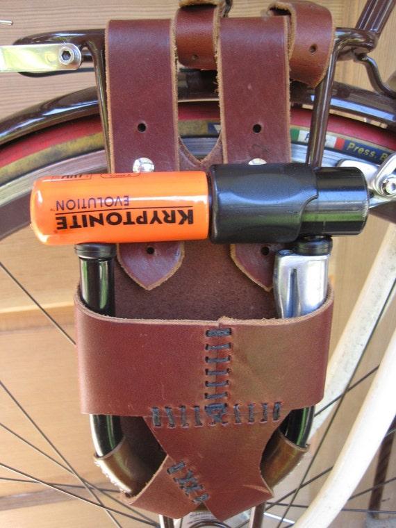 double strap leather bike u lock holster rack mounted. Black Bedroom Furniture Sets. Home Design Ideas