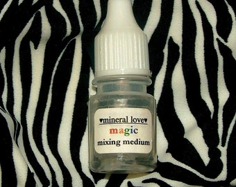 Magic Mixing Medium For Mineral Makeup