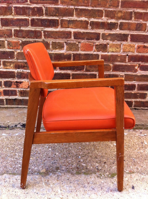 Mid Century Gunlocke Chair