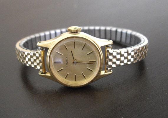 Vintage Ladies Timex Wind Up Watch
