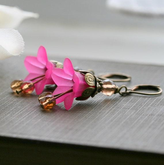 Lucite Flower Earrings, Pink  Earrings, Pink, Fuchsia, Lever Back Earwires,  Dangle Earrings, Bridesmaid Jewelry - Peony