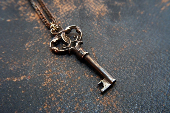 Httpwww Overlordsofchaos Comhtmlorigin Of The Word Jew Html: Ornate Bronze Victorian Skeleton Key Pendant
