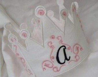 ITH Picture Perfect Princess Crown- Instant Email Delivery Download Machine embroidery design