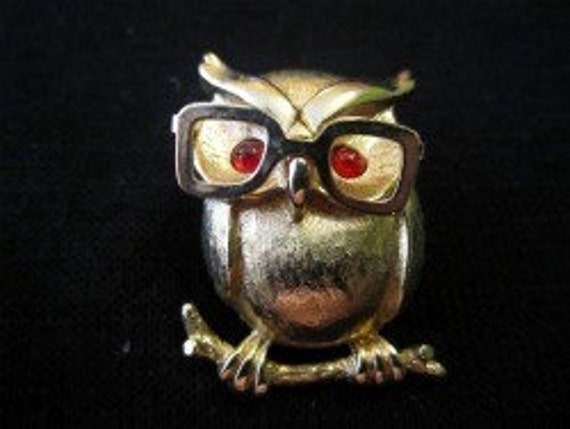 Sarah Coventry Gold Toned Owl with Moveable Eye Glasses