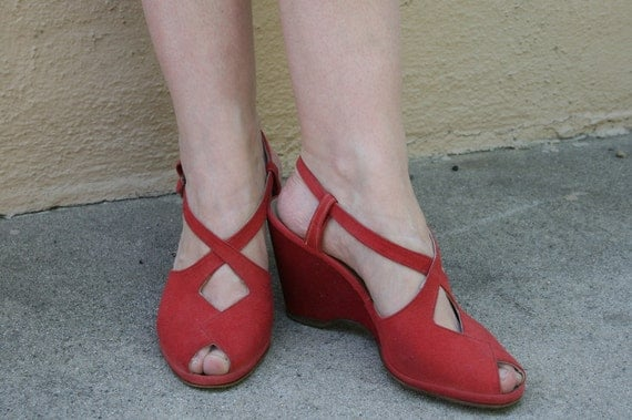 Vintage 1940s Red Suede Leather Cut Out Wedgies