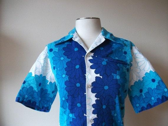SALE! 1960s Original Womens Blue Hawaiian Shirt, Small