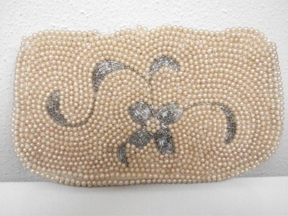 1950s Small Pearl Pouch