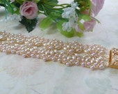 Woven Bracelet Oval Pearl in Cream and Pink