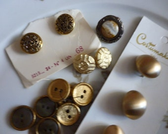 Pretty Assorted Vintage Buttons In Golds Metal