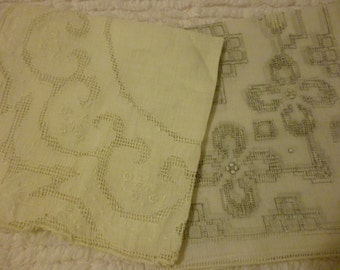 Antique Ivory Handkerchiefs ~ Delicate Hankies  ~ Wedding Hankie ~ Beautiful Cutwork ~ Vintage Linens ~ Crafts ~ Heirlooms