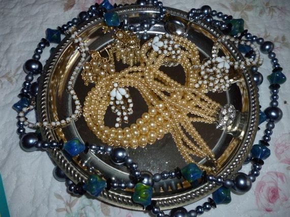 Vintage Lot Of Broken Jewelry Pearls,Beads,Earings