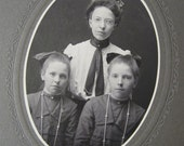 on reserve - LOVELY Victorian Cabinet Card Photo of Pretty Sisters - Identified