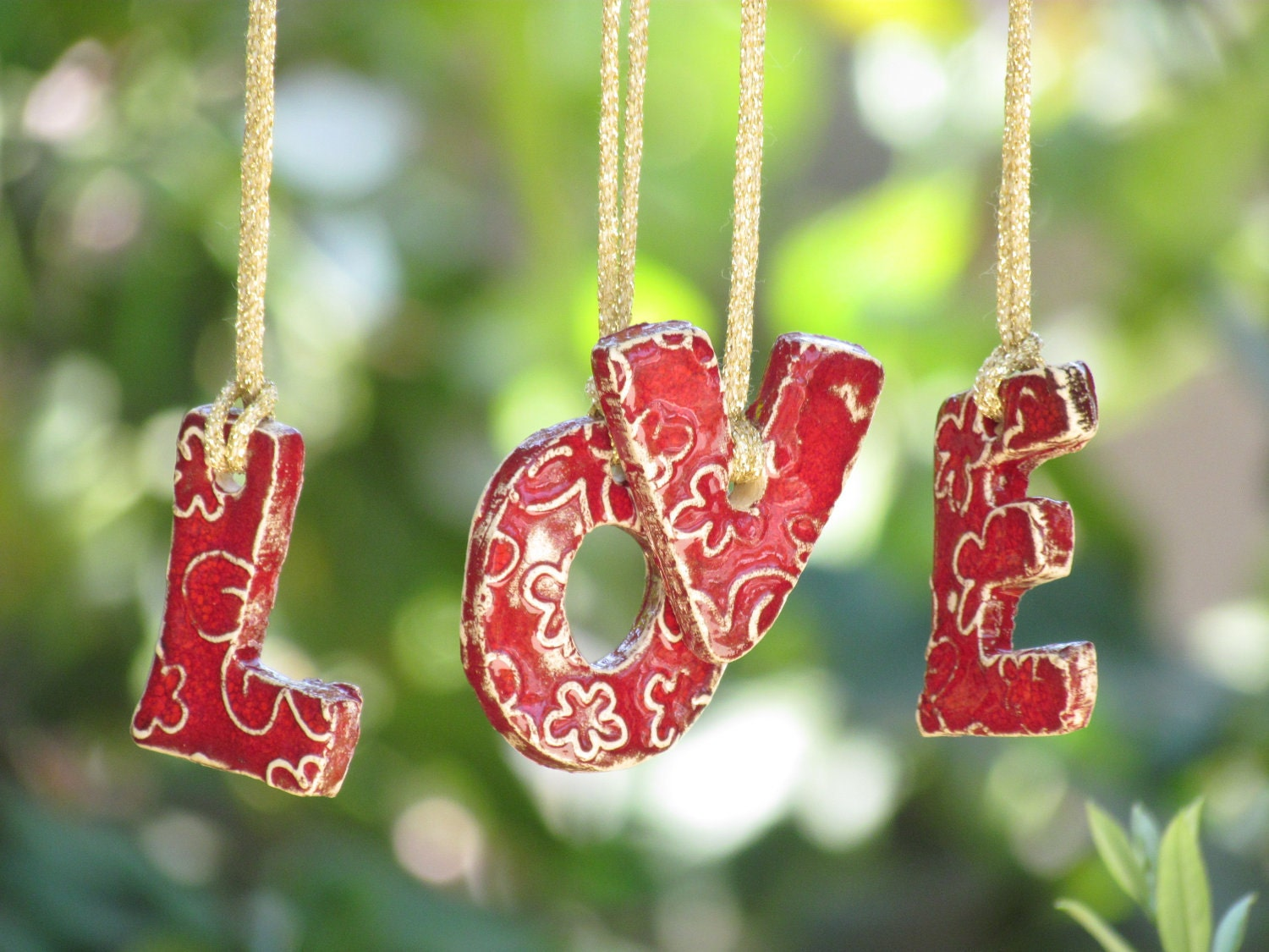 wall ornament holiday ornament love hanging letters ceramic. Black Bedroom Furniture Sets. Home Design Ideas