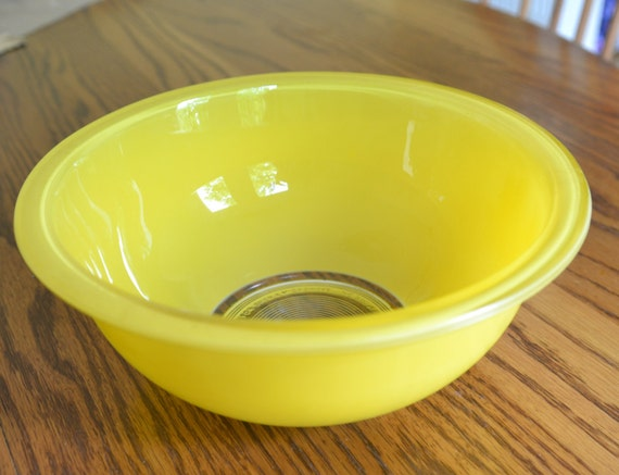 Vintage Pyrex Yellow Mixing Bowl Clear Bottom