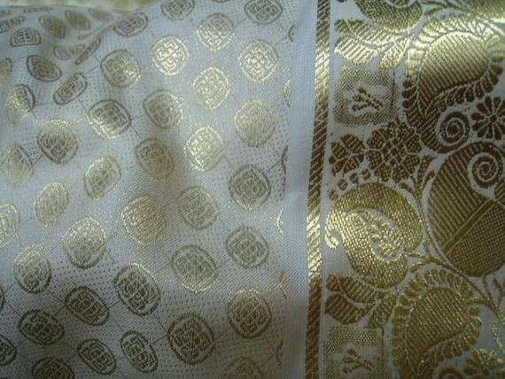 Unique Cream with Gold Paisley Border Jamawar Silk Fat Quarter