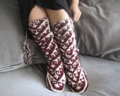 Christmas gifts, Burgundy Slippers, Warm Slippers, Wool Slippers, Mukluk, Womens Slippers, Winter Slippers