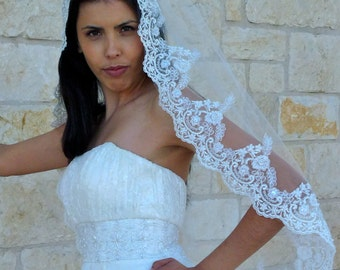 Lace Bridal Veil  in fingertip length, wedding Spanish veil with beaded  lace edge, single tier lace veil,  Mantilla single layer lace veil