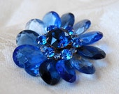 Gorgeous Vintage, Large Sapphire Blue Crystal and Rhinestone Flower Brooch