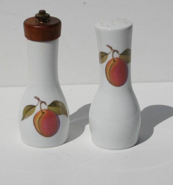 Vintage Royal Worcester Evesham Porcelain Salt and Pepper Mill Shaker Fruit Decor