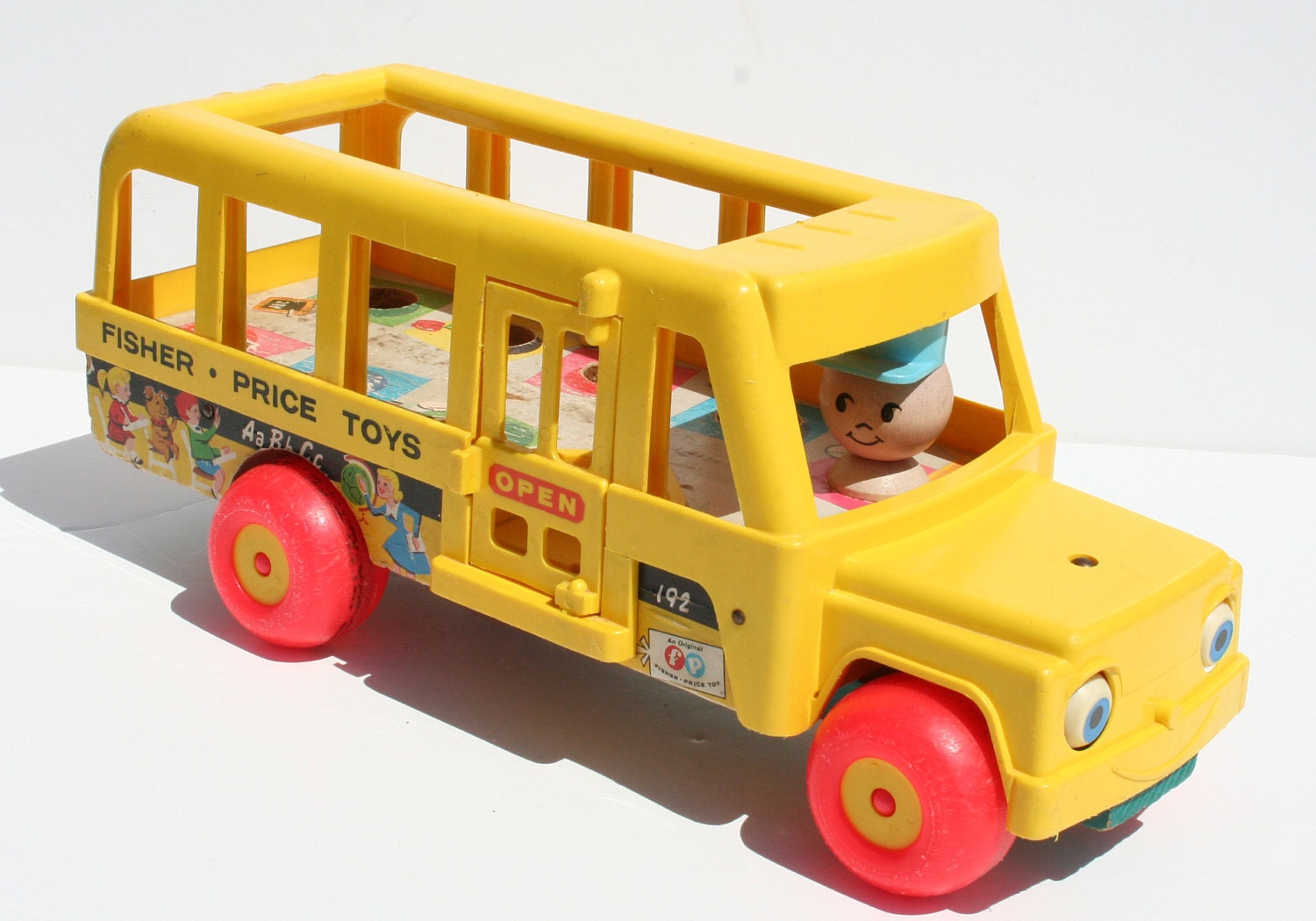 vintage 1965 fisher price little people yellow school bus. Black Bedroom Furniture Sets. Home Design Ideas