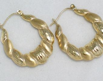 solid gold hoop earrings 10 kt yellow gold diamond cut textured ribbon bamboo similar dangle hoop earrings 28.9 mm womens fine jewelry