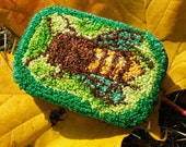 honeybee pillbox
