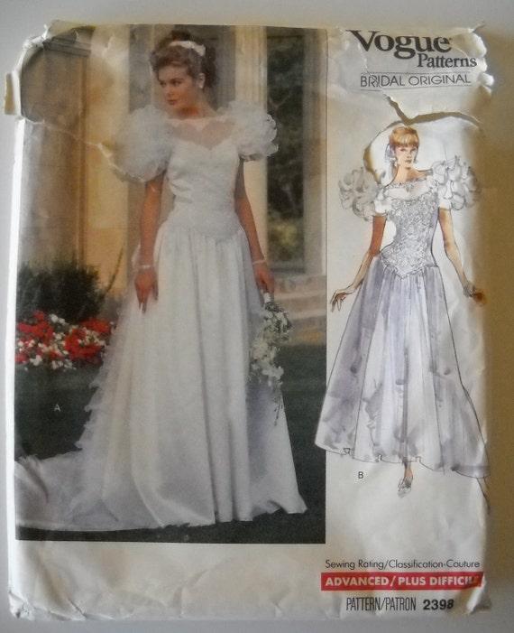 Vogue Bridal Original 2398 Misses Wedding Dress and Petticoat Size 6-10 UNCUT
