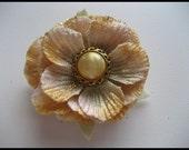 Gold Ameruse Duchess Hair Flower