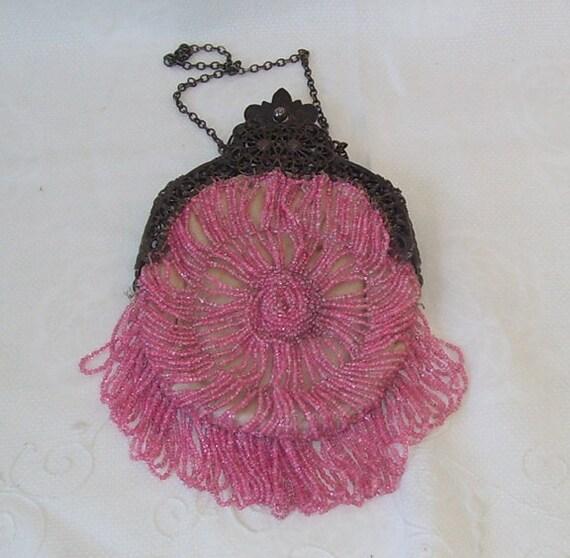 Elegant Antique Pink Beaded Ladies Flapper Purse 1925