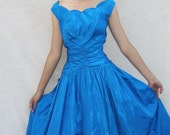 1950s Vintage BOMBSHELL Party Prom BUBBLE Full Skirt FROCK