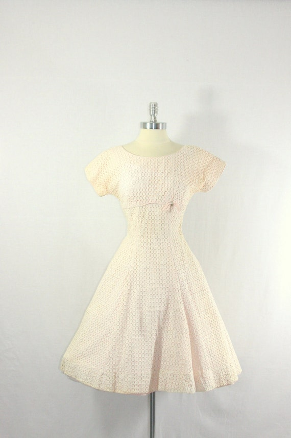 1950's Short White Dress - Vintage Soft White Lace with Pink Cotton Lining Full Skirt Garden Wedding Frock