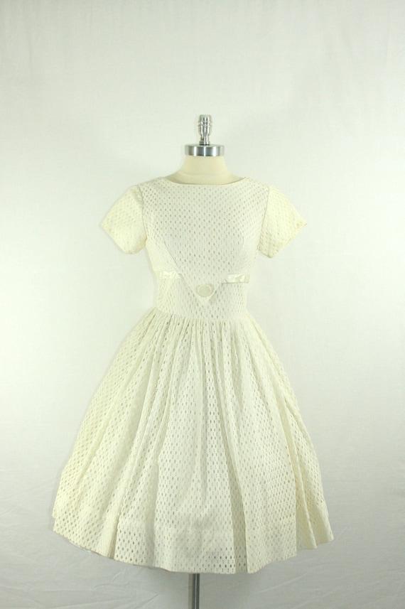 1950s White Short  Wedding Dress - Summer Full Skirt Short Sleeve Dress