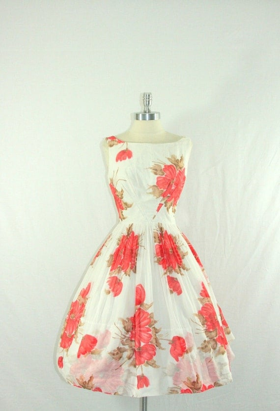 1950s Summer Dress - White Cotton with Large Floral Print Full Skirt Garden Party Frock