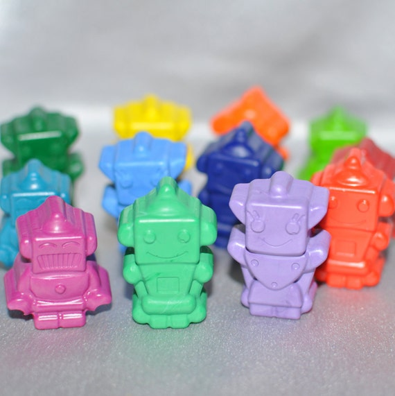This is a Pay It Forward Order For 8 Robot Crayons.