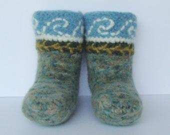 Crochet Booties, Booties, Toddler Booties, Non Skid Socks, Woolen Socks, Blue Green Seafarer Slipper Socks, Boys 1-2, Girls 2.5 - 3.5