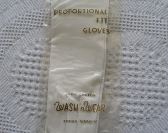 Vintage Gloves 1950s White Cotton Women's by Avon Proportional Fit NOS New Old Stock