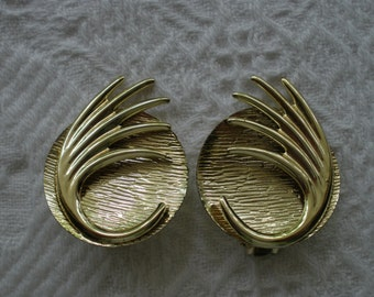 Vintage Earrings Clip On Gold Tone Round Retro Costume Jewelry