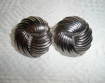 Vintage Earrings Clip On Round Swirl Silver Tone Costume Jewelry Clip Clips