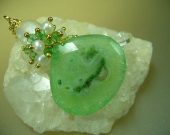 Emerald Green Drusy Stalactite Pearl Gold Necklace