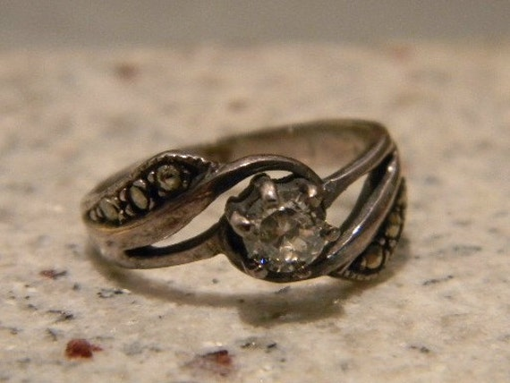 ViNTaGe STeRLiNG SILVER RING 925 MaRCaSiTeS WiTH CZ CuBiC ZiRCoNiA SiZe 7