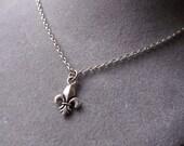 SET of FIVE  Bridesmaid Fleur De Lis Petite Charm Necklace in Antique Silver